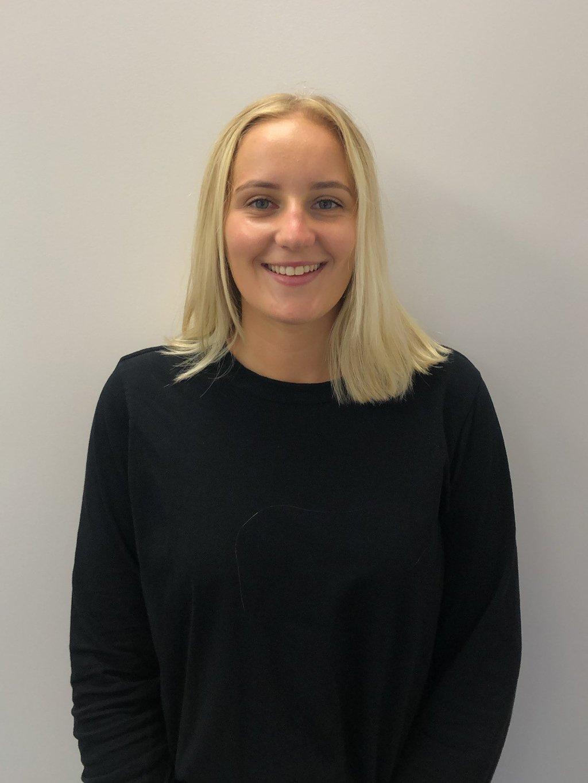 Emma Powers, Customer Service