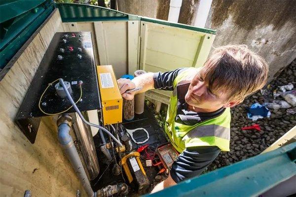 Home pressure system maintenance pump support